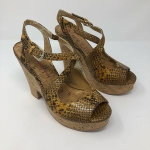 Elaine Turner faux snake skin cork heel  8 M